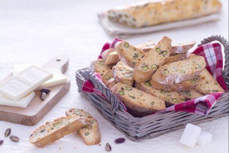 Cantucci al pistacchio e cioccolato bianco